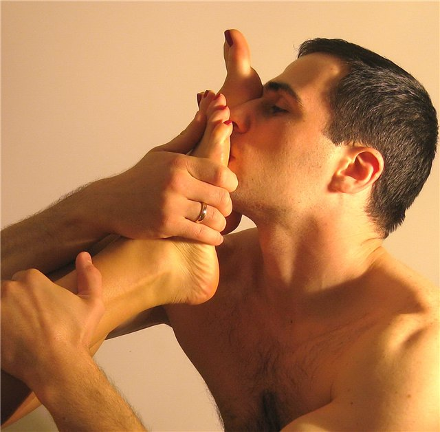 этих переживаний языком и пальцем в жопу будет трахать